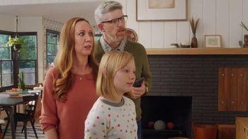 XFINITY xFi TV Spot, 'Family Heirloom: $20' Featuring Amy Poehler - Thumbnail 5