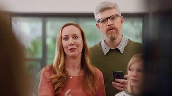 XFINITY xFi TV Spot, 'Family Heirloom: $20' Featuring Amy Poehler - Thumbnail 6