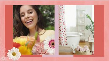 Vagisil Scentsitive Scents Dry Wash TV Spot, 'Spritz and Go, Girl' - Thumbnail 1