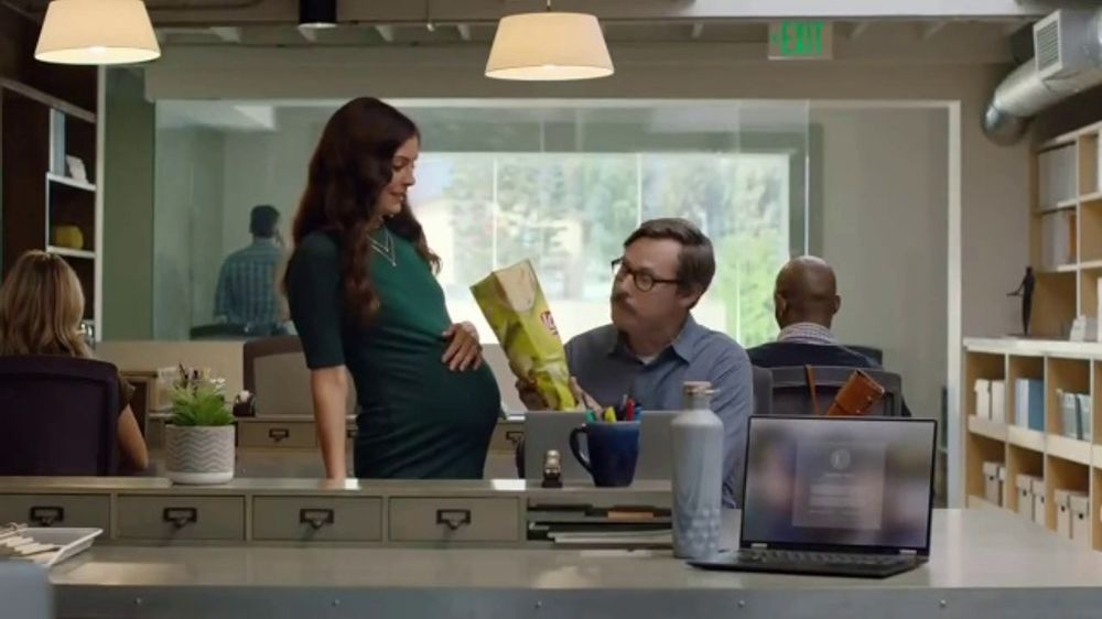 Lay's Dill Pickle TV Commercial, 'Pregnant'