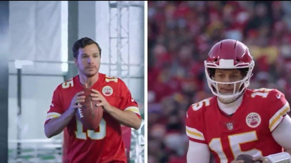 NFL TV Commercial, 'LIV Super Bowl Experience'