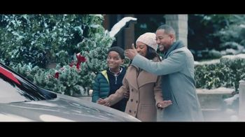 Lexus December to Remember Sales Event TV Spot, 'The Bow Caper' [T1] - 229 commercial airings