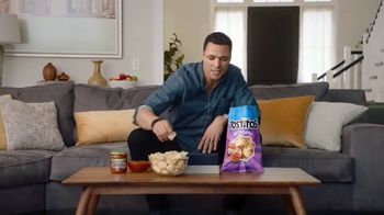 Frito Lay TV Spot, 'Group Chat' Ft. Tony Gonzalez, Deion Sanders, Terry Bradshaw, Michael Irvin - Thumbnail 2