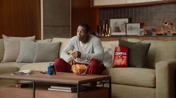 Frito Lay TV Spot, 'Group Chat' Ft. Tony Gonzalez, Deion Sanders, Terry Bradshaw, Michael Irvin - Thumbnail 4