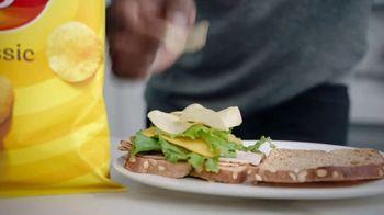 Frito Lay TV Spot, 'Group Chat' Ft. Tony Gonzalez, Deion Sanders, Terry Bradshaw, Michael Irvin - Thumbnail 5