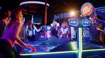 Dave and Buster's Eat and Play Combo TV Spot, 'Holidays: Food and Fun' - Thumbnail 8