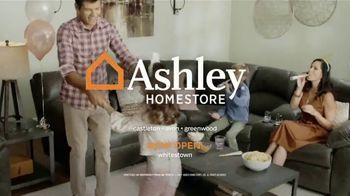 Ashley HomeStore New Year's Sale TV Spot, '30% Off: Queen Panel Beds' Song by Midnight Riot - Thumbnail 7