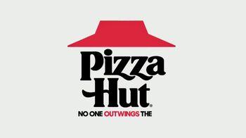 Pizza Hut TV Spot, 'Wings: Bigger and Better' - Thumbnail 8