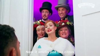 Poo~Pourri TV Spot, 'Holidays: Being a Party Pooper Doesn't Have to Stink' - Thumbnail 4