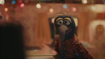 Portal from Facebook TV Spot, 'Sweet Gift' Featuring Kermit, Gonzo - Thumbnail 9