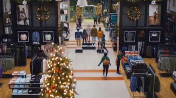 Dick's Sporting Goods TV Spot, 'Last-Minute Holiday Deals: Nike Fleece, Hydro Flasks, Coats & Shoes' - Thumbnail 2