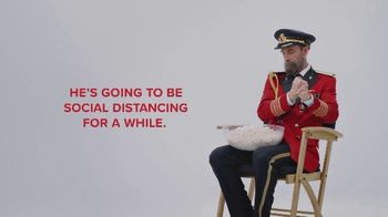 Hotels.com TV Spot, 'Social Distancing' - Thumbnail 5