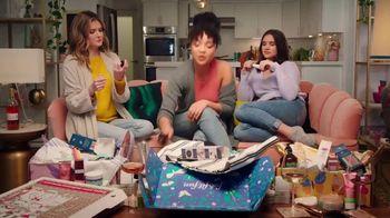 FabFitFun.com TV Spot, 'Girls Night' - Thumbnail 10