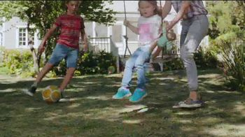 Scotts Turf Builder Thick'r Lawn TV Spot, 'Worn Down Lawn' - Thumbnail 2