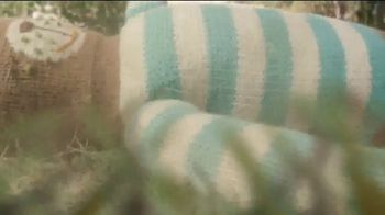 Scotts Turf Builder Thick'r Lawn TV Spot, 'Worn Down Lawn' - Thumbnail 3