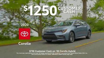 2020 Toyota Corolla TV Spot, 'USA Road Trip: Standard' Feat. Danielle Demski, Ethan Erickson [T2] - Thumbnail 7