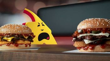 Carl's Jr. Spicy Western Bacon Cheeseburger TV Spot, 'Inner Struggle' - Thumbnail 6
