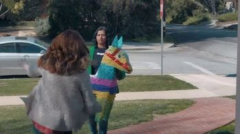 Shipt TV Spot, 'Over-Delivering Delivery: Birthday' - Thumbnail 7