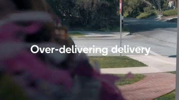 Shipt TV Spot, 'Over-Delivering Delivery: Birthday' - Thumbnail 9