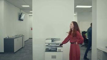 Candy Crush TV Spot, 'The Office' - Thumbnail 5