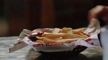 Red Robin Bottomless Steak Fries TV Spot, 'Sin fondo' [Spanish] - Thumbnail 2