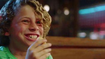 Red Robin Bottomless Steak Fries TV Spot, 'Sin fondo' [Spanish] - Thumbnail 3