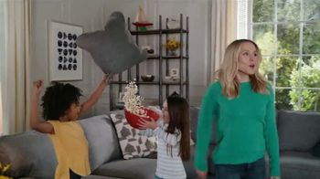 La-Z-Boy Double Discount Days TV Spot, 'Not Surprised by Much' Featuring Kristen Bell - Thumbnail 3