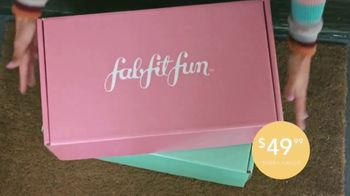 FabFitFun.com TV Spot, 'A Gift From Me to Me' Featuring Maddie & Tae - Thumbnail 4
