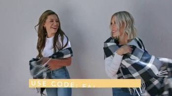 FabFitFun.com TV Spot, 'A Gift From Me to Me' Featuring Maddie & Tae - Thumbnail 7
