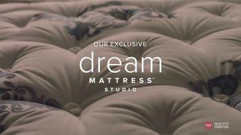Value City Furniture TV Spot, 'Dream Mattress Studio: Free Boxspring'