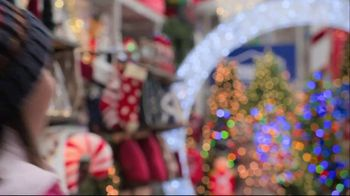 Lowe's Black Friday Deals TV Spot, 'The Right Tree: Artificial Christmas Trees' - Thumbnail 1