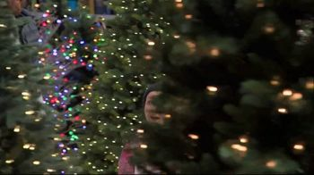Lowe's Black Friday Deals TV Spot, 'The Right Tree: Artificial Christmas Trees' - Thumbnail 4