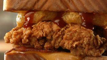 Zaxby's Southwest Chipotle Fillet Sandwich and Smokehouse Cheddar BBQ Meals TV Spot, 'Jumanji: Smoky Bacon' - Thumbnail 4