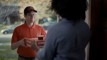 Little Caesars Pizza TV Spot, 'La mejor cosa después del pan rebanado' con Rainn Wilson [Spanish] - Thumbnail 3