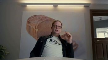 Little Caesars Pizza TV Spot, 'Best Thing Since Sliced Bread: $5' Featuring Rainn Wilson - Thumbnail 5