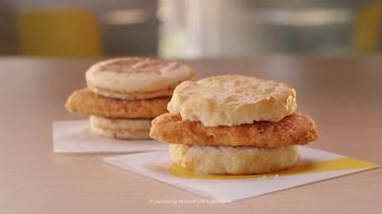 McDonald's McChicken Breakfast Sandwiches TV Spot, 'Wake Up Breakfast' - Thumbnail 10