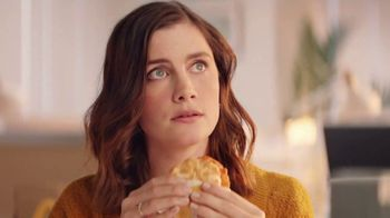 McDonald's McChicken Breakfast Sandwiches TV Spot, 'Wake Up Breakfast' - Thumbnail 3