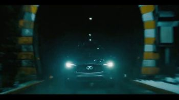 2020 Infiniti QX50 TV Spot, 'Snow and Surf' Song by Hannah Williams & The Affirmations [T1] - Thumbnail 4