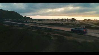 2020 Infiniti QX50 TV Spot, 'Snow and Surf' Song by Hannah Williams & The Affirmations [T1] - Thumbnail 6