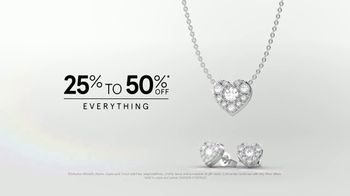 Kay Jewelers Friends & Family Event TV Spot, 'Valentine's Day: Win Her Heart' - Thumbnail 9