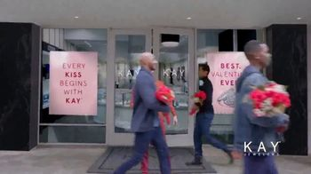Kay Jewelers Friends & Family Event TV Spot, 'Valentine's Day: Win Her Heart' - Thumbnail 1