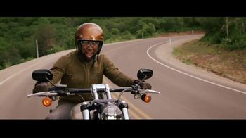 GEICO Motorcycle TV Spot, 'Tailor' Song by The Troggs - Thumbnail 2