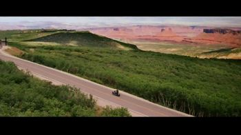 GEICO Motorcycle TV Spot, 'Tailor' Song by The Troggs - Thumbnail 3
