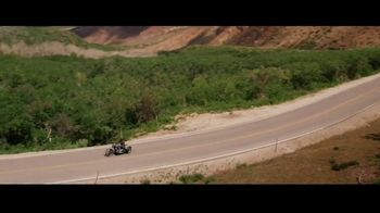 GEICO Motorcycle TV Spot, 'Tailor' Song by The Troggs - Thumbnail 4
