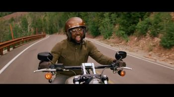 GEICO Motorcycle TV Spot, 'Tailor' Song by The Troggs - Thumbnail 5