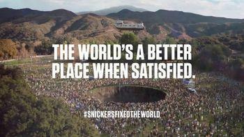 Snickers TV Spot, '#SnickersFixedTheWorld: Online Date' Featuring Luis Guzmán - Thumbnail 10