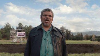 Snickers TV Spot, '#SnickersFixedTheWorld: Online Date' Featuring Luis Guzmán - Thumbnail 2