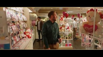 Jared TV Spot, 'Valentine's Day: Card Aisle' - Thumbnail 8