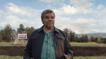 Snickers TV Spot, '#SnickersFixTheWorld: Chancellor' Featuring Luis Guzmán - Thumbnail 8