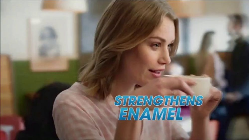 ACT Anti-Cavity Rinse TV Commercial, 'Feel Fearless: Iced Formulas'